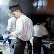 How Should Dress Workers In A Restaurant Kitchen?